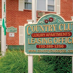 Country Club Apartments For Rent in Eatontown, NJ Leasing Office