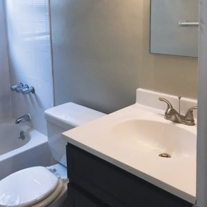 Country Club Apartments For Rent in Eatontown, NJ Bathroom